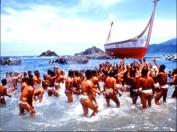 Ureinwohner feiern das Tao Boot Festival